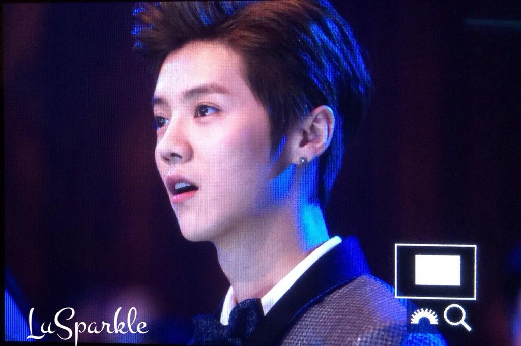 [PREVIEW] 150115 2014 Weibo Awards Night [100P] B7ZHDw4CEAAyOIh