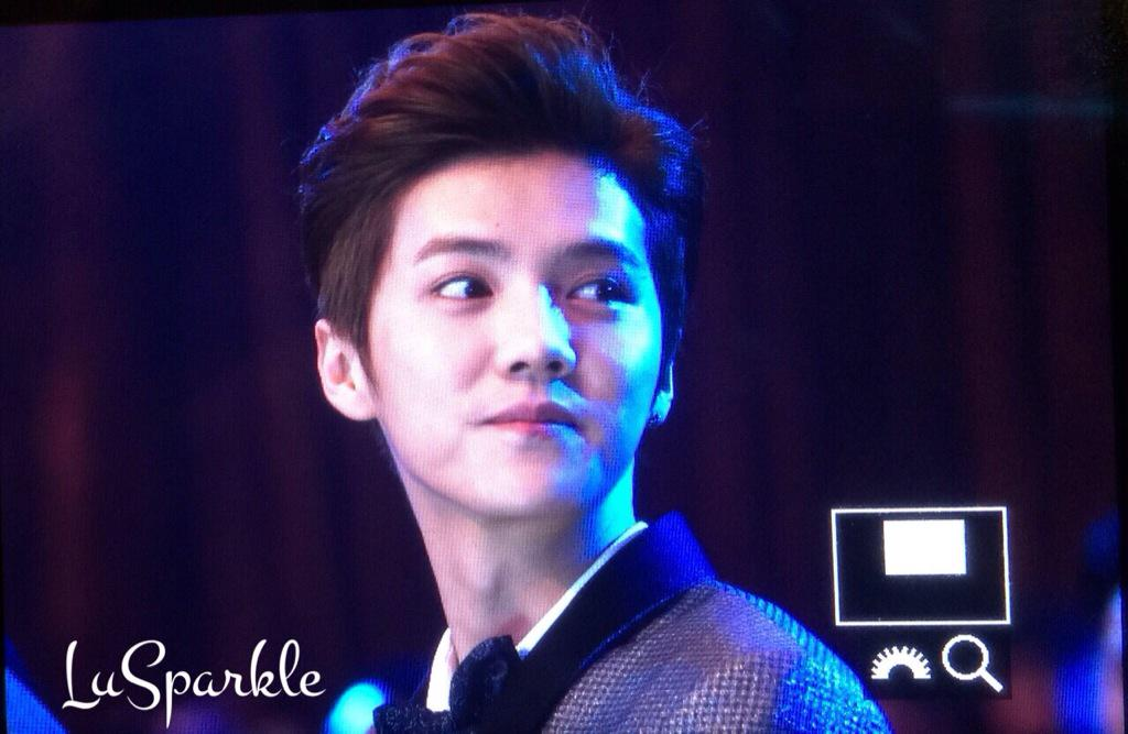 [PREVIEW] 150115 2014 Weibo Awards Night [100P] B7ZHE_dCYAAO3P4