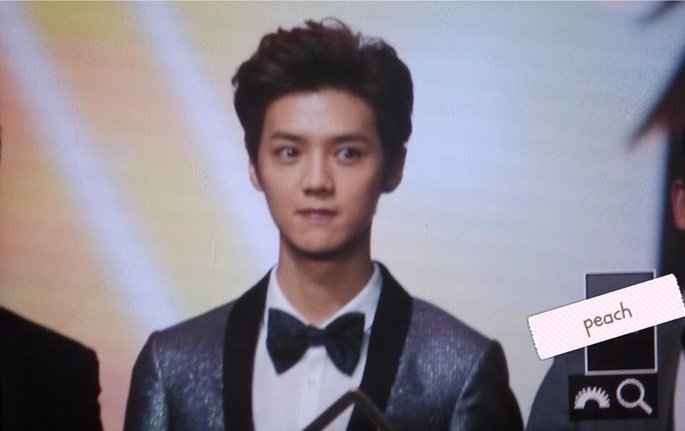 [PREVIEW] 150115 2014 Weibo Awards Night [100P] B7ZHbRxCAAIShEM