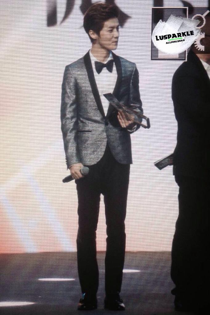 [PREVIEW] 150115 2014 Weibo Awards Night [100P] B7ZLtjQCQAA1ofL