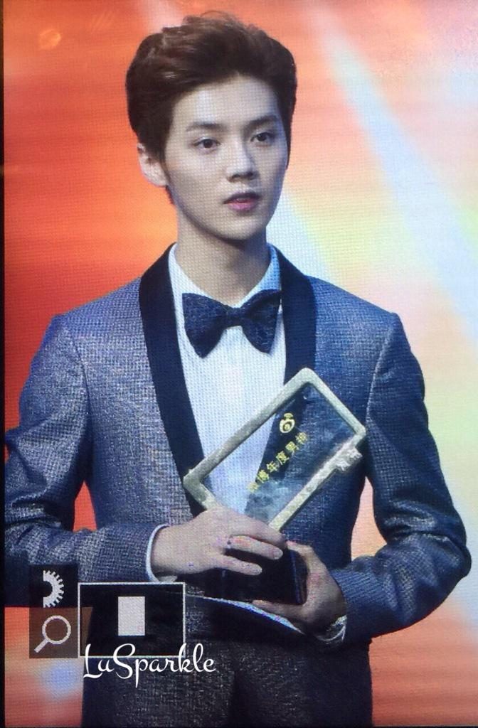 [PREVIEW] 150115 2014 Weibo Awards Night [100P] B7ZLtlmCAAAjauq