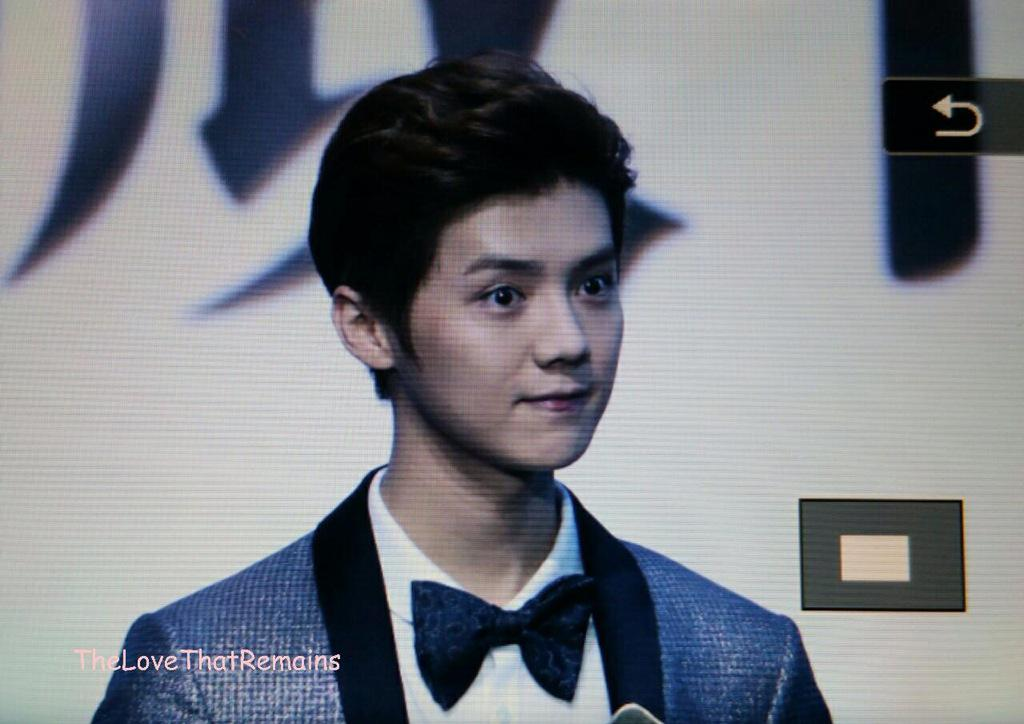 [PREVIEW] 150115 2014 Weibo Awards Night [100P] B7ZMCt3CIAEM02i
