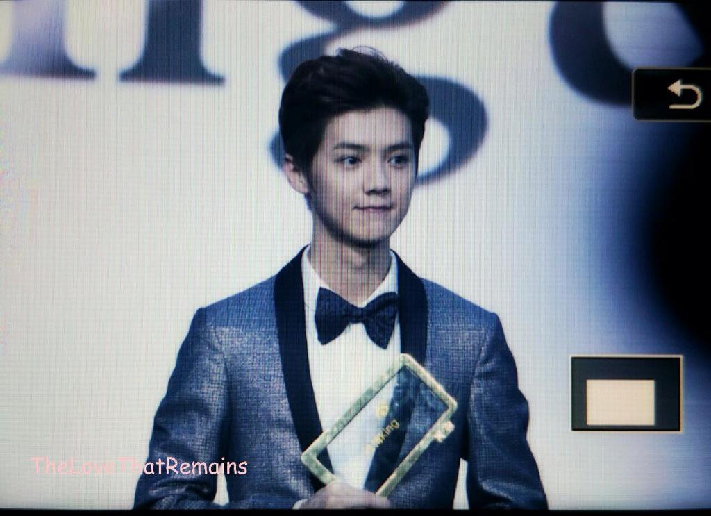 [PREVIEW] 150115 2014 Weibo Awards Night [100P] B7ZNI6YCUAErVhN