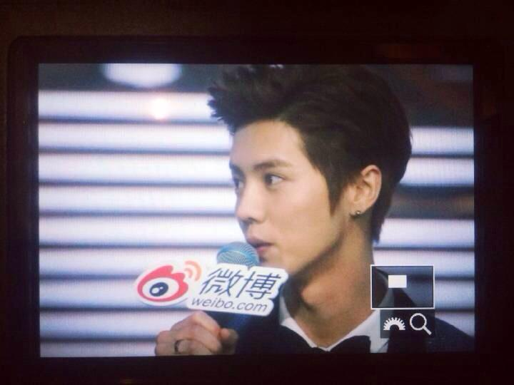 [PREVIEW] 150115 2014 Weibo Awards Night [100P] B7ZNkU3CIAE8WkR