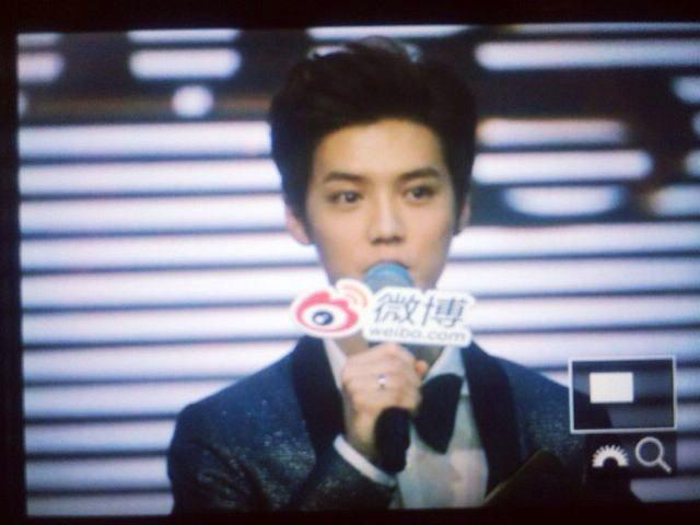 [PREVIEW] 150115 2014 Weibo Awards Night [100P] B7ZNkccCMAAbJk3