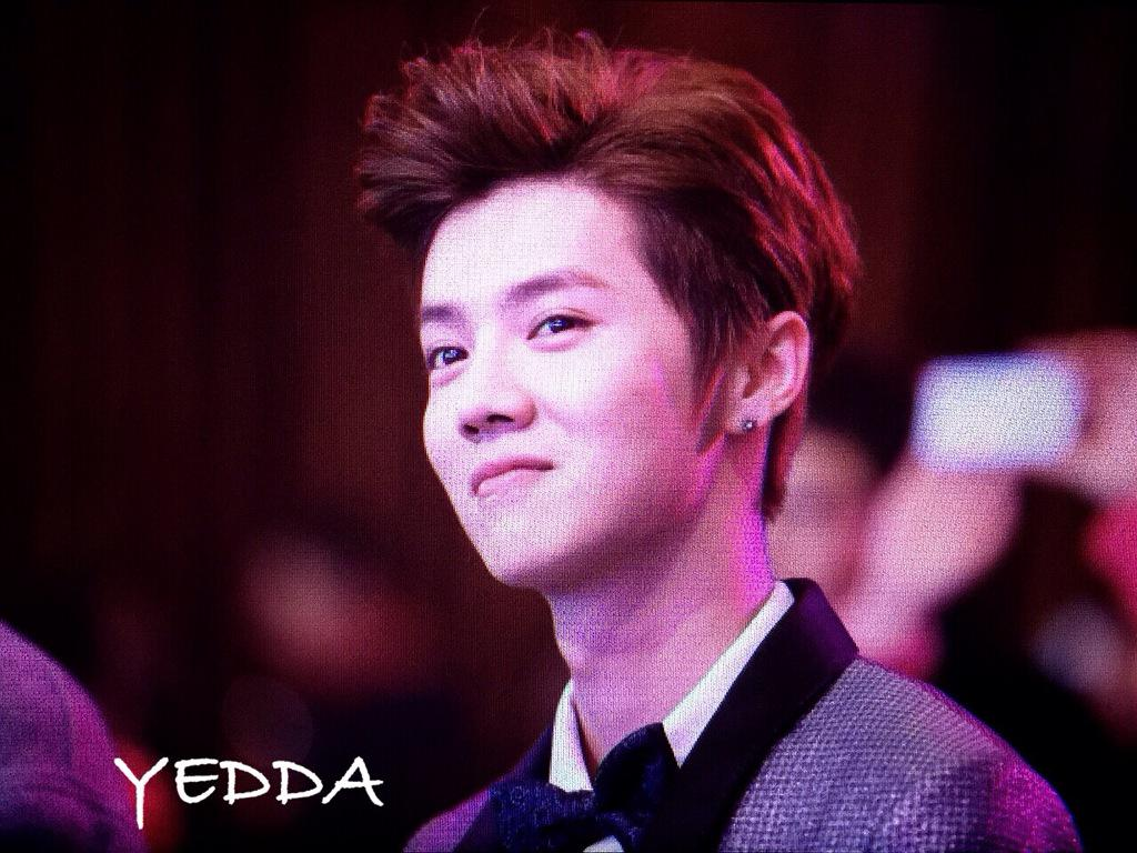 [PREVIEW] 150115 2014 Weibo Awards Night [100P] B7ZO5mfCIAEweOl