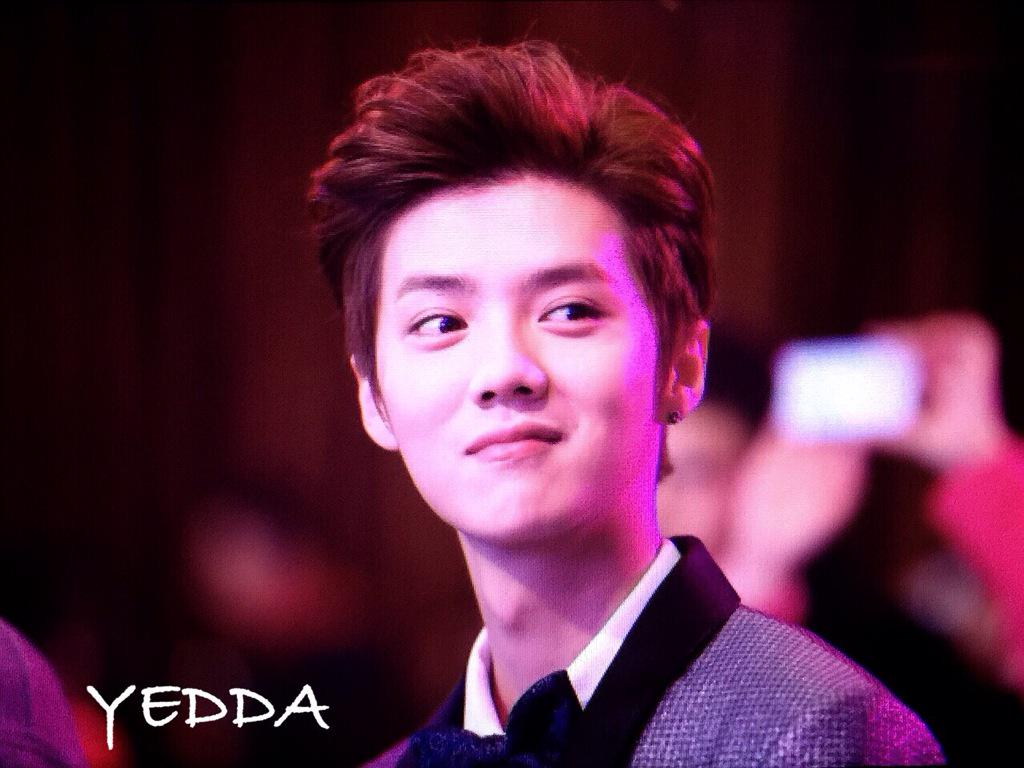 [PREVIEW] 150115 2014 Weibo Awards Night [100P] B7ZO5rDCYAEYJQW