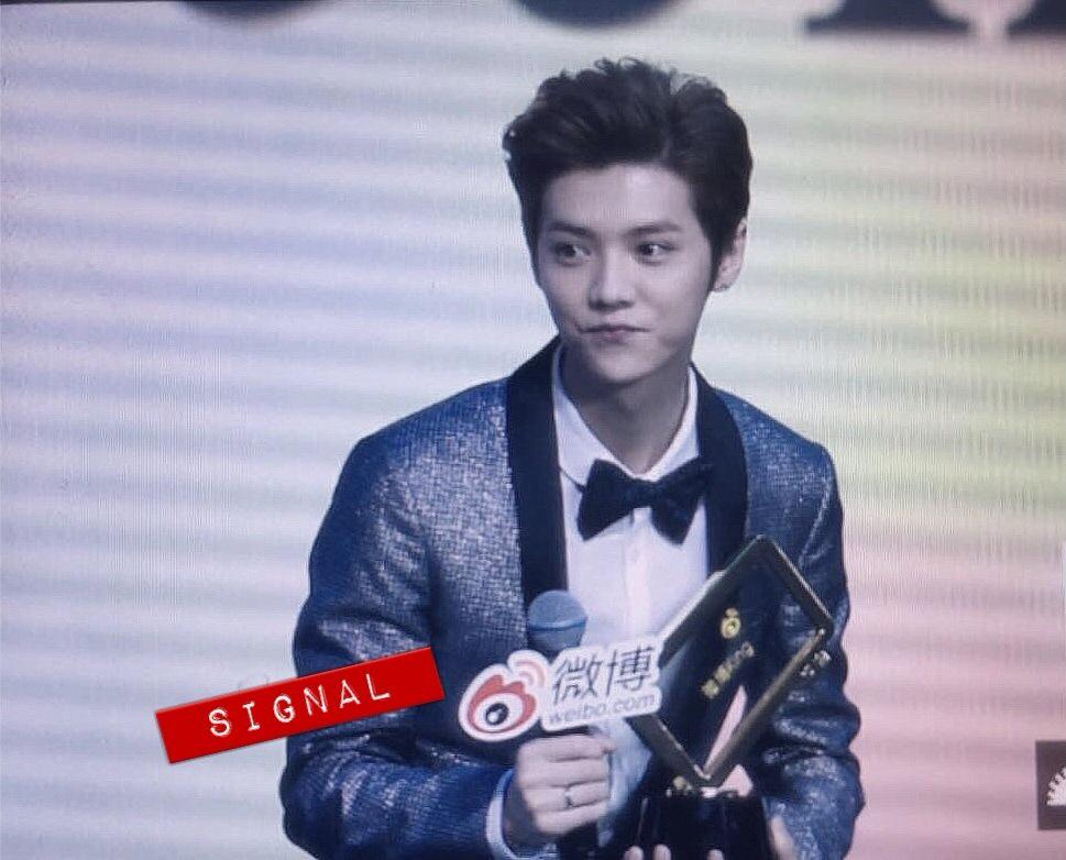 [PREVIEW] 150115 2014 Weibo Awards Night [100P] B7ZOcXDCUAAXaH-
