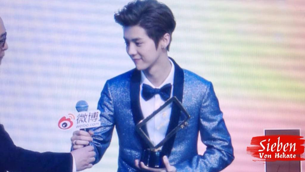 [PREVIEW] 150115 2014 Weibo Awards Night [100P] B7ZOzbSCUAASArK