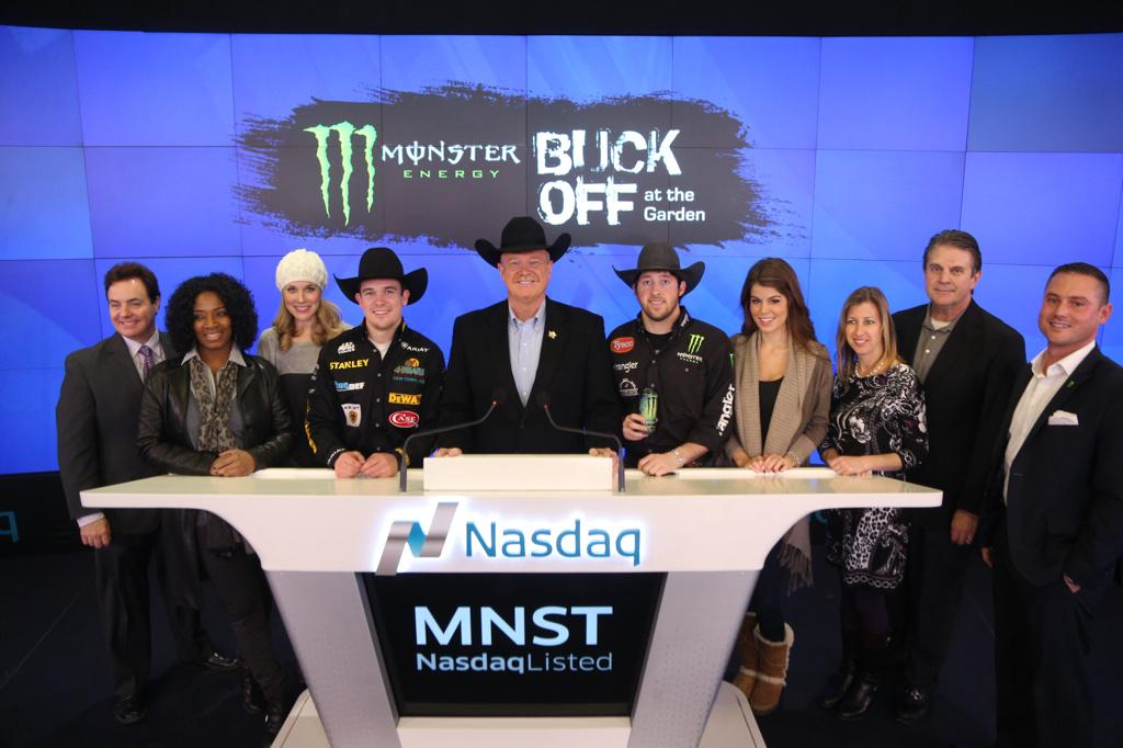 .@PBR & @MonsterEnergy ring the #ClosingBell in honor of the Buck Off at @TheGarden! @LJ_JenkinsPBR @triplett_matt http://t.co/0D2Z57wiYS