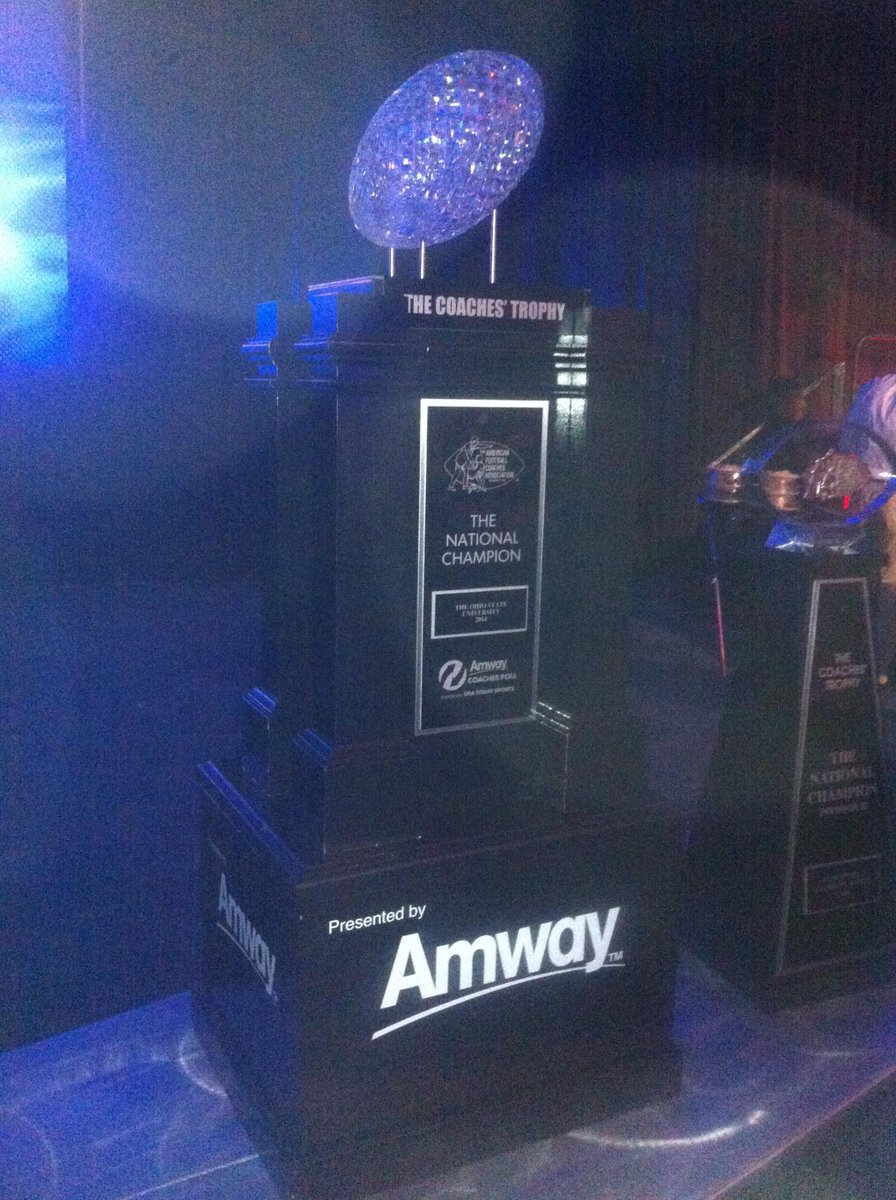 """How Amway Coaches Poll Top 25 Teams Fared In Week 3: Football Coach Daily On Twitter: """"The AFCA Coaches' Trophy"""