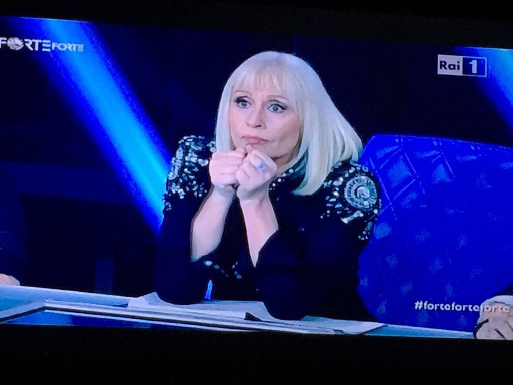 Raffaella Carrà a Forte Forte Forte prima puntata 16 gennaio su Rai 1