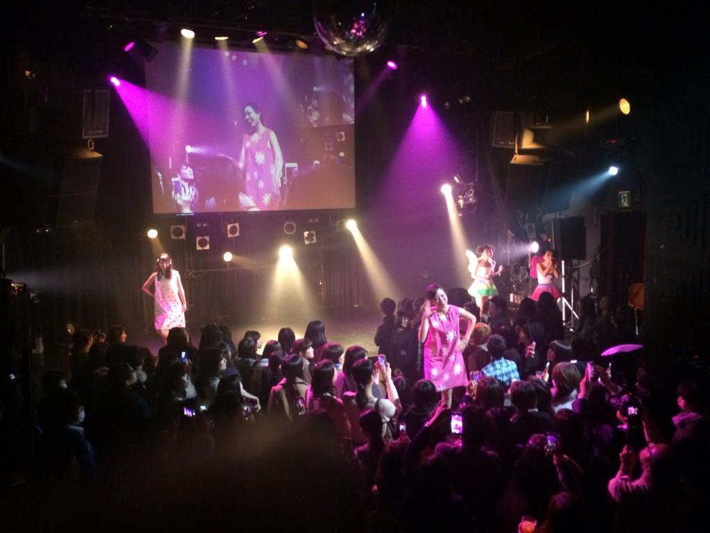 ステージ大トリを飾ったのは、  「chunk」  まさに今までにない新しいファッションショーの形! 本格的なダンスや歌を取り入れたスーパーノヴァvol.8ラストに相応しい素晴らしいステージでした! http://t.co/hMCZvLjdG5