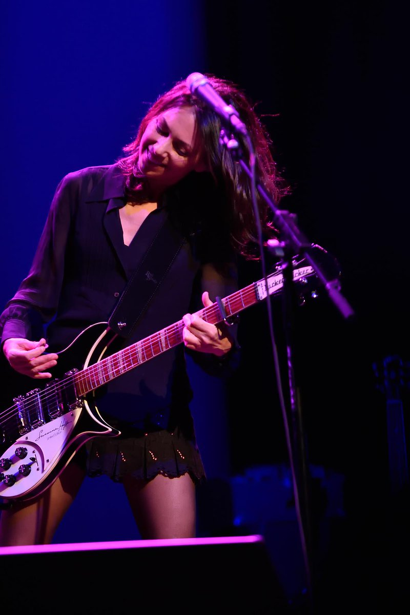 Happy Birthday to the fantastic @SusannaHoffs ! http://t.co/6mhQ2YPv97