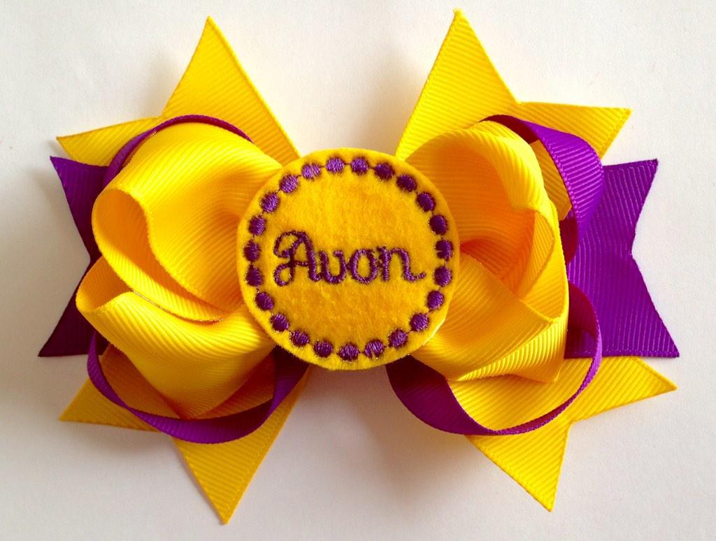 NEW Avon HS hair bows!!@avoneagles @AvonEagleShop @AvonAthletics #hairbows #kathyskreations #avoneagles #avon http://t.co/aa6fp1OW6P