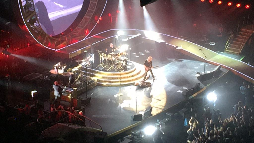 Simply amazing @QueenWillRock #legendsofrock http://t.co/rQQCrXiUh9