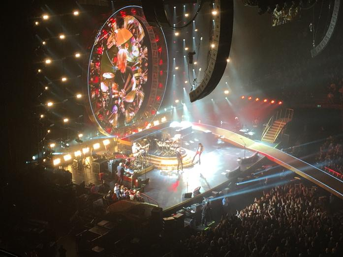 Waited decades for this. Stunning. @queenwillrock http://t.co/UhKKHmSp0z