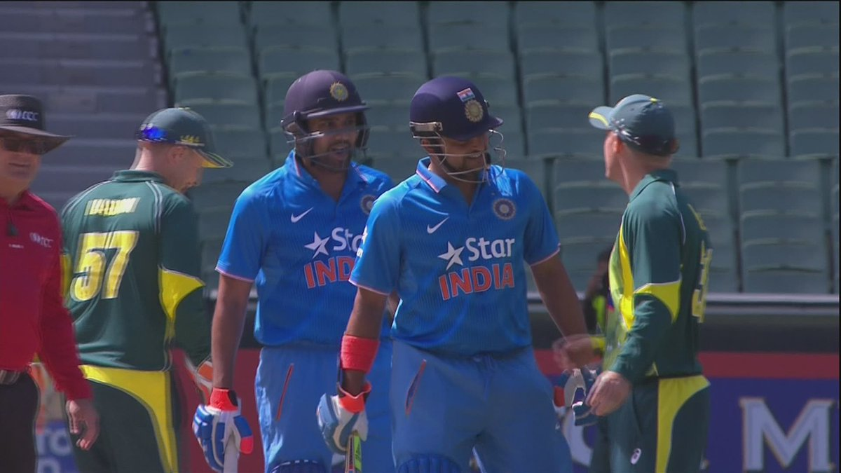 The sledging returns! Rohit Sharma and David Warner get caught up in a verbal duel: http://t.co/KrLFqxfShE #AusvsInd http://t.co/Wn3ch91ZuU