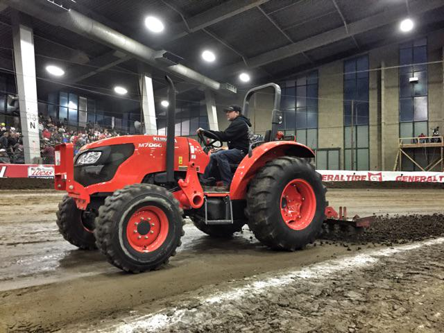 .@TonyStewart - one hard workin' dude at #ChiliBowl2015 - workin' surface w/the tractor. @cbnationals @speed51dotcom http://t.co/pnei5BLxzD