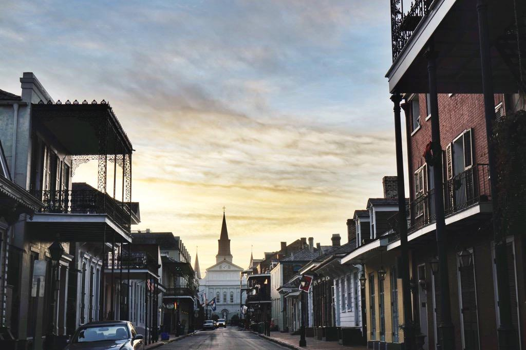 visit new orleans on twitter the french quarter welcomed us with a beautiful sunrise. Black Bedroom Furniture Sets. Home Design Ideas
