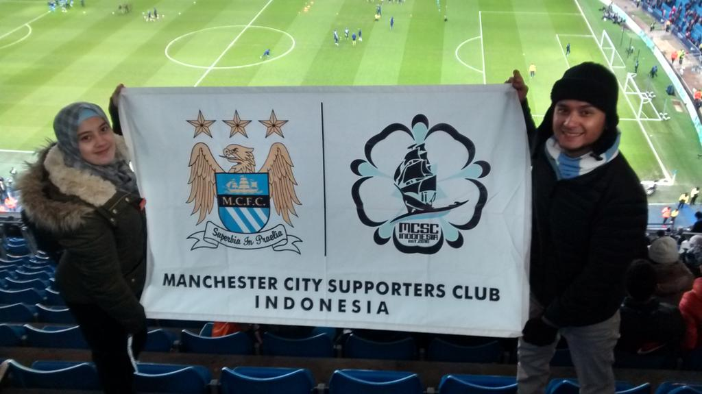 "Thanks lee RT ""@LeeCityzen: First time at the Etihad watching @mcfc for @Rezalatas #Cityzens http://t.co/D9Wc4IHnzN"""