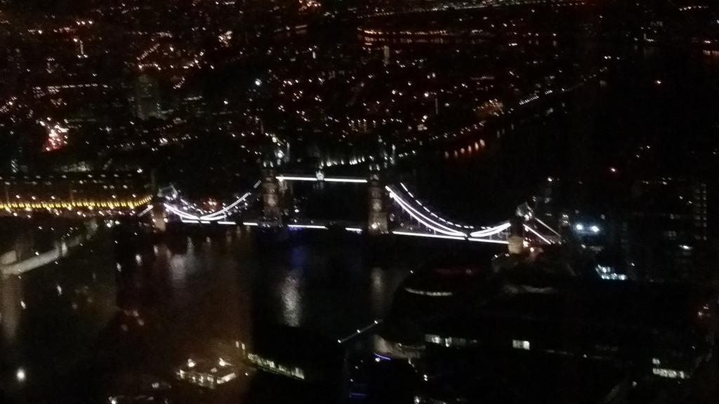 Tower Bridge is beautiful tonight.. x http://t.co/Mr3kYW1RNW