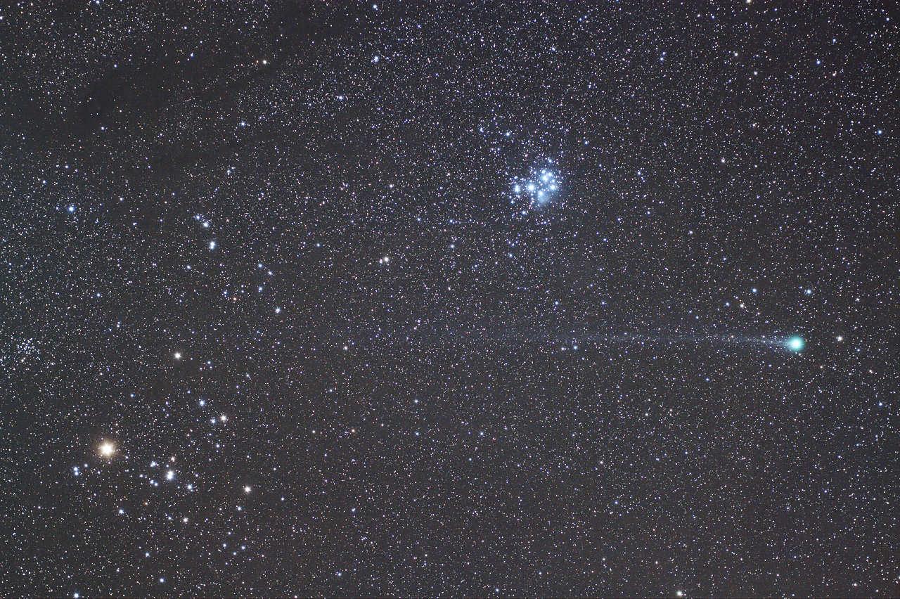 ヒアデスまで届くラブジョイ彗星の尾(2015/01/17)