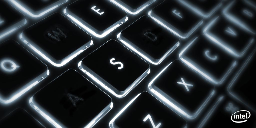 あるキーボードの文字が消えてしまっています!皆さんはなぜだかお分かりですよね?(^^) pic.twitter.com/70MpGwYMow