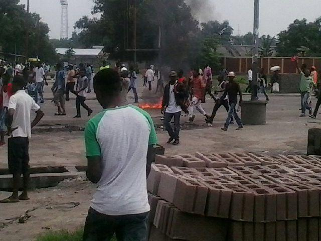 More photos of different protests in Kinshasa. #Congo #Ingeta #Telema http://t.co/XXKZ8zbMGM