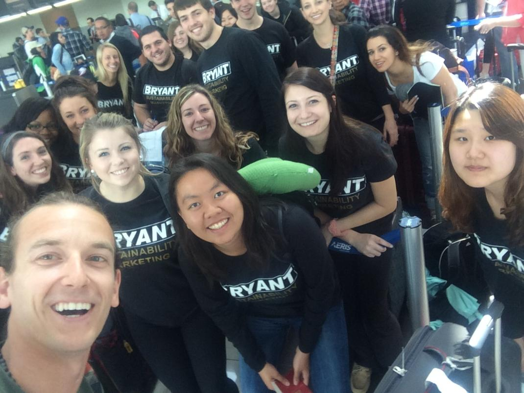 Snagged this selfie running into @BryantUniv @bryantmkt421 Sustainable Marketing class in SJO Costa Rica. http://t.co/66DWU35ZfB