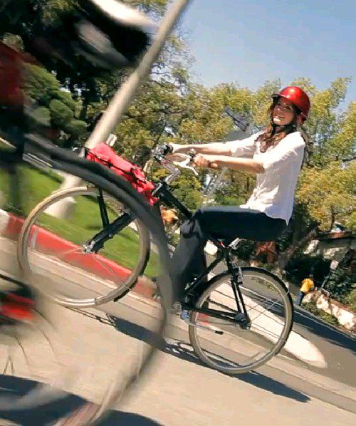 Love @Castle_ABC's @Stana_Katic livin' the bike life & advocating through @ALTravelProject http://t.co/sjYhyxCQuy http://t.co/8Cfrz7O7IW