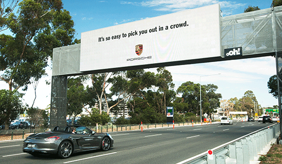 Every time a Porsche drives by, this billboard switches to a special greeting just for them. http://t.co/4ssQOU1er1 http://t.co/4ZdbM5ibRN