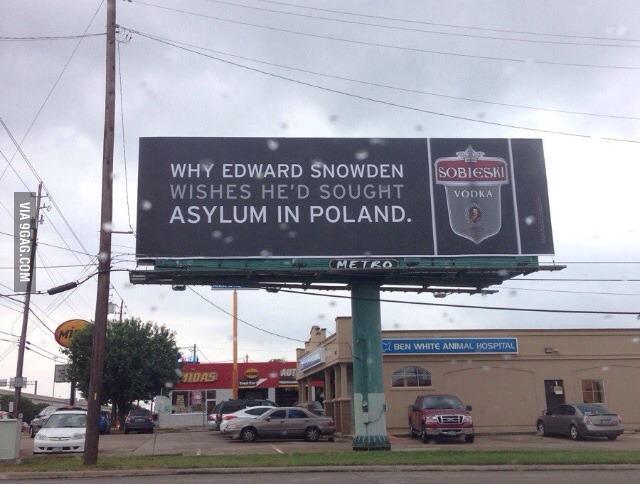 Snowden in Poland. http://t.co/DQmTsw4kaU