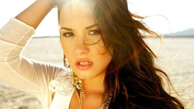 Demi Lovato é considerada a celebridade mais importante na luta contra doenças mentais http://t.co/E67yCI1TtL