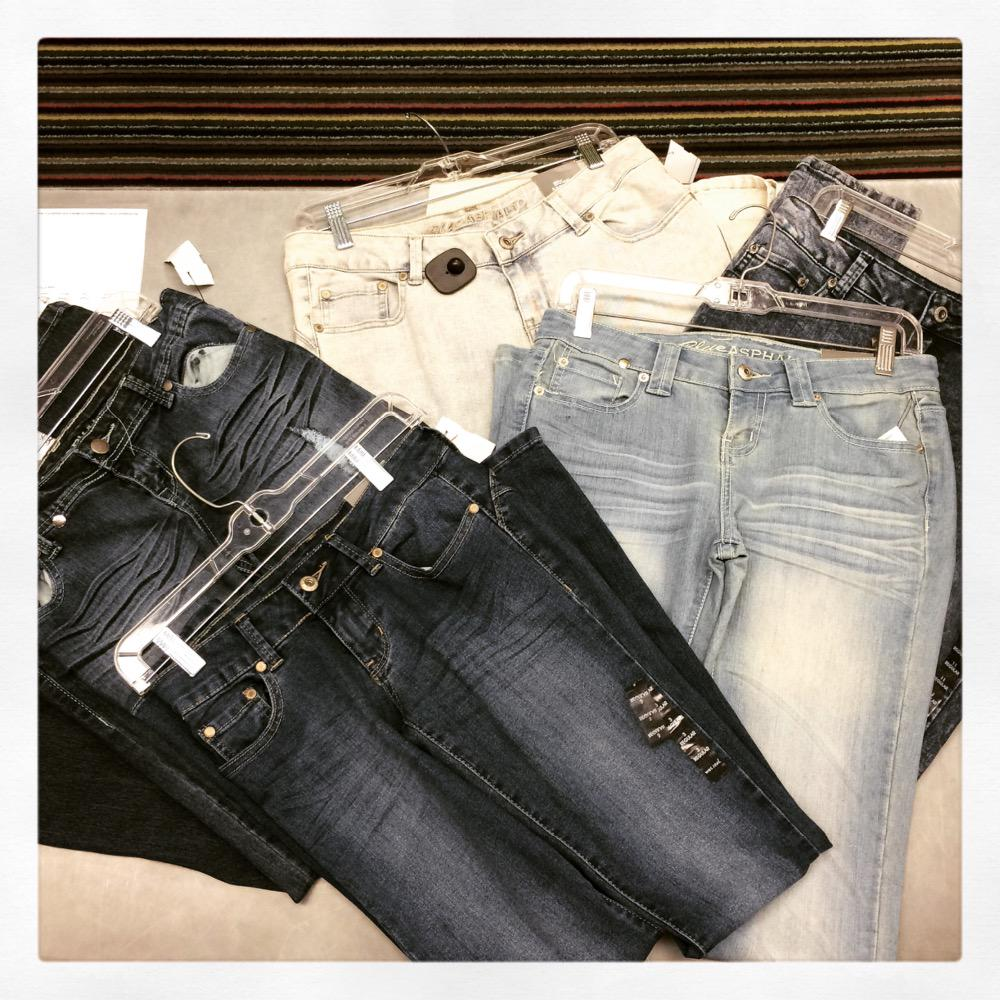 We have Blue Asphalt jeans! All different sizes and washes! Come shop our selection! #platosclosetsarasota pic.twitter.com/NmWDLWiERH