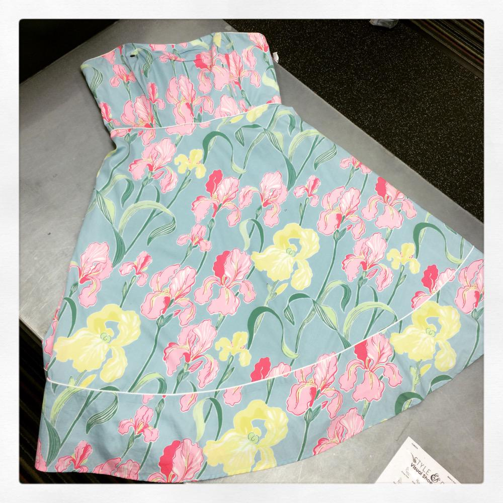 Lilly Pulitzer dress! CLEARANCED! Only $8!!!! Size 7/8! What a awesome deal! #platosclosetsarasota pic.twitter.com/uYsOblOqz6