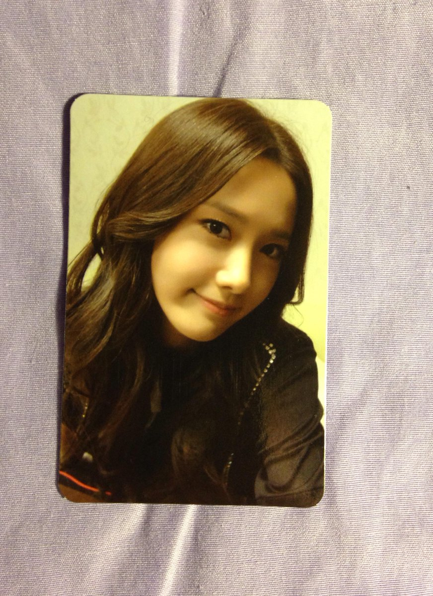 [SELLING] #SNSD  #Yoona Photocards. $5 each (shipping not included) Mint condition. http://t.co/yUNV0ehE17