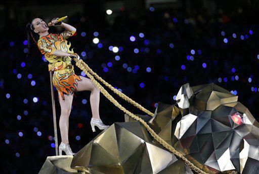Katy Perry » Super Bowl XLIX Halftime Show (Pág. 1) | 2 PREMIOS EMMY | 121.5M de espectadores [II] - Página 2 B80-KLpIYAEhccx