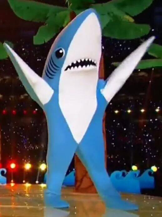 dude, this pic of #leftshark is basically ¯\_(ツ)_/¯ http://t.co/85qKpaIMQr