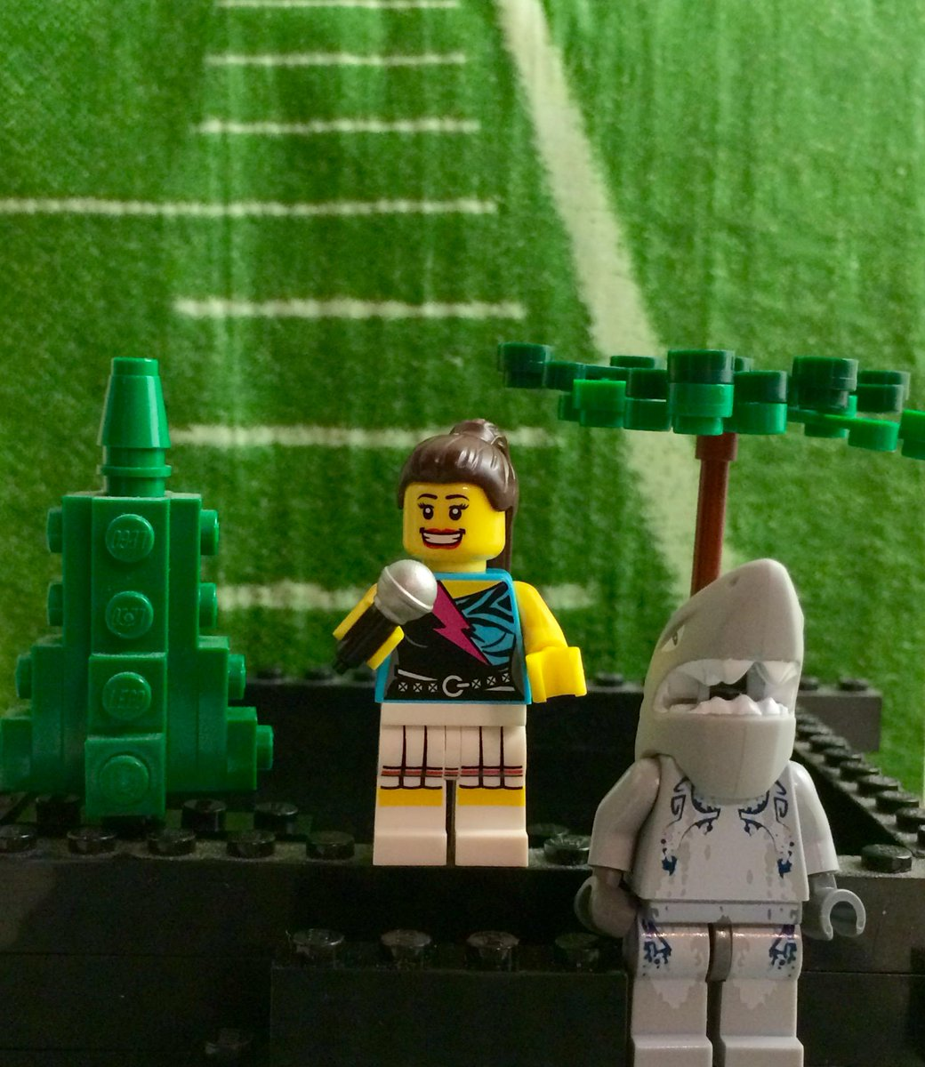 @darth @conz With many heroes in #SB49, we're compelled to immortalize one in LEGO Form: Dancing Shark #SuperBowl http://t.co/9rNeyTvyPz