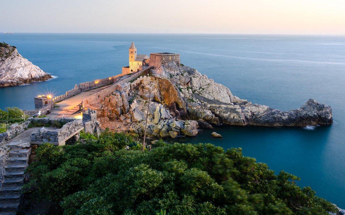 Quando una chiesetta sul mare… è in realtà molto di più… http://t.co/fA0wQzfFdi @TurismoLiguria http://t.co/gdsag34h1k