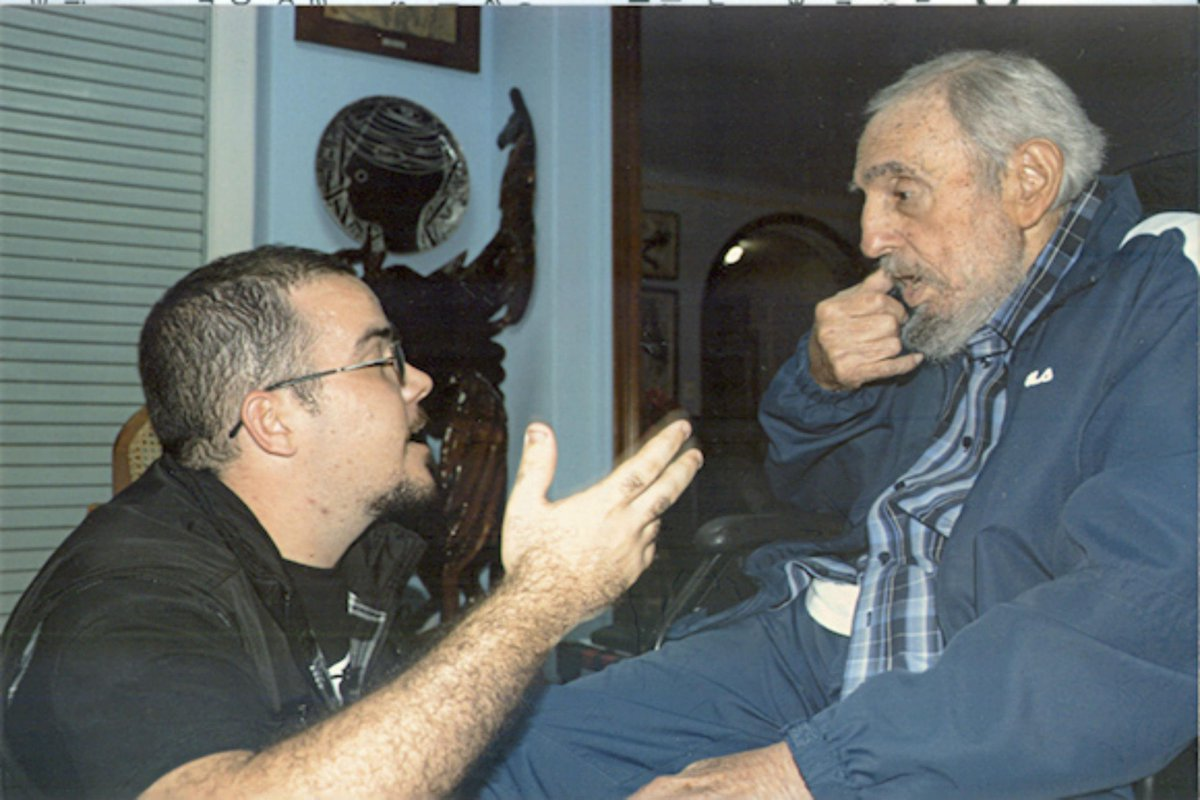 Cuba releases first images of Fidel Castro in more than 5 months. http://t.co/8mVUm7LOTy http://t.co/IftxX0hzwi