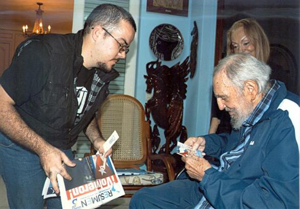 """@theblaze: Cuba publishes first photos of Fidel Castro in five months: http://t.co/r9JNrBsHsu http://t.co/AjE8GzFf6k"" Communist Life Sucks"
