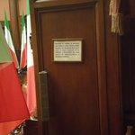 RT @gcaroli: #cartello in tribuna cittadini #Camera durante giuramento #Mattarella. Perché l'opinione conta http://t.co/9oQA4gl9C8