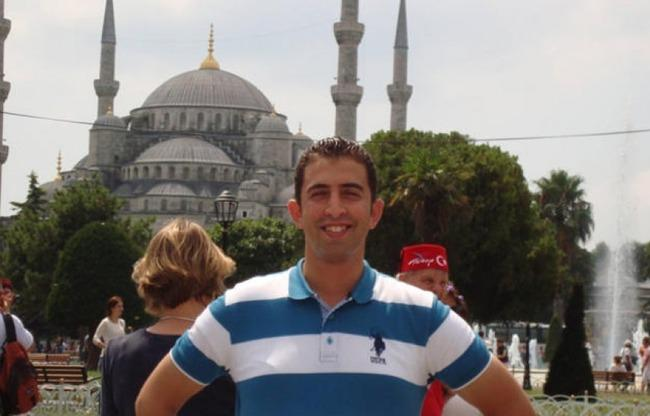 Let's make this the photo we share of Moaz al-Kasasbeh. Do not share what ISIL wants us to share. http://t.co/iile6dYVEM