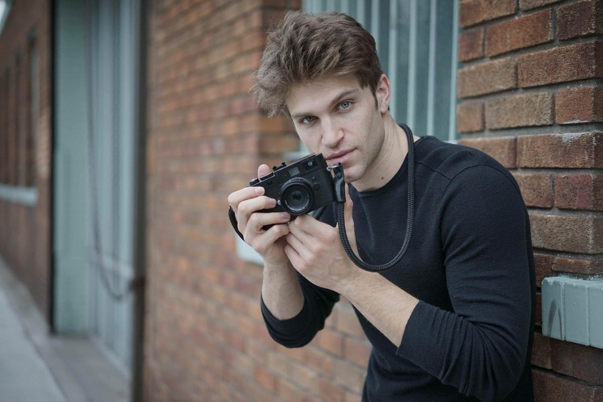 The #Leica always w/@KeeganAllen. #TalkingTech w/#PrettyLittleLiars co-star. http://t.co/dkkLrBUeJN via @usatoday. http://t.co/hr0fFts9Kr