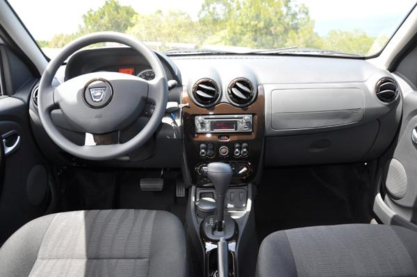 dacia duster automatique dacia duster automatic 2017 review pictures auto express. Black Bedroom Furniture Sets. Home Design Ideas