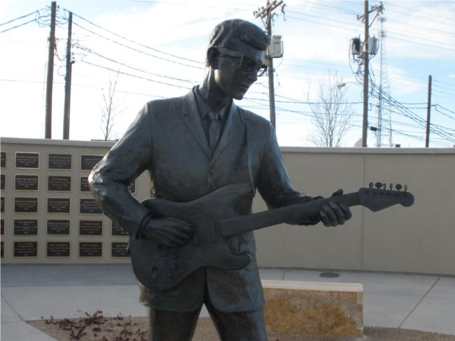 """56 Years Ago Today: """"The Day the Music Died,"""" the tragic plane crash that took the life of Lubbock's Buddy Holly. RIP http://t.co/VM6tnMtqIr"""