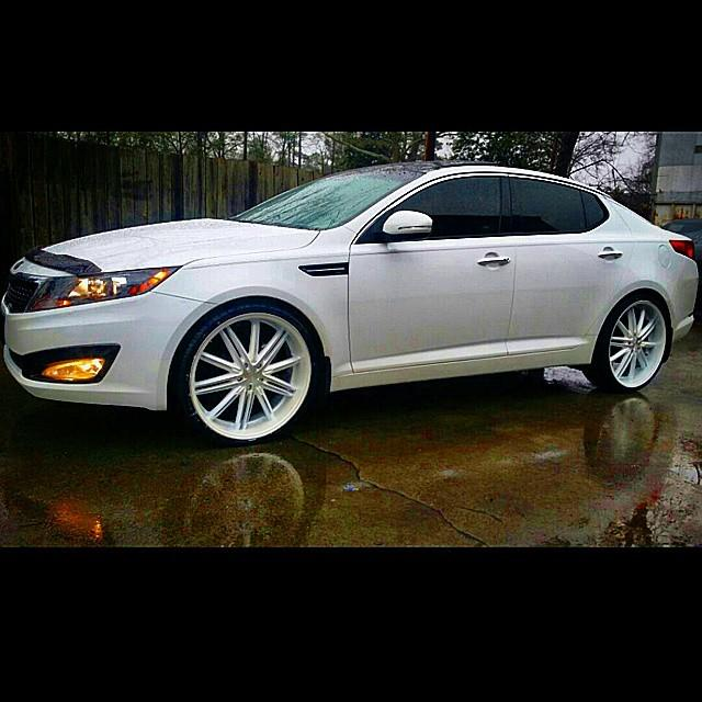 on twitter more car audio kia optima with 22 inch white wheels tires at. Black Bedroom Furniture Sets. Home Design Ideas