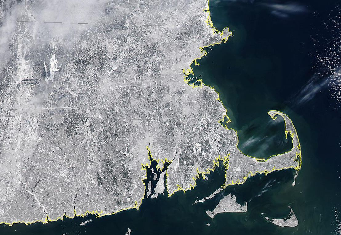 """2nd try- Boston and New England under 20-40"""" of #snow about 400 miles above- Aqua @UWSSEC @nasa @HarveyWCVB http://t.co/VWX8jWJ8Xg"""